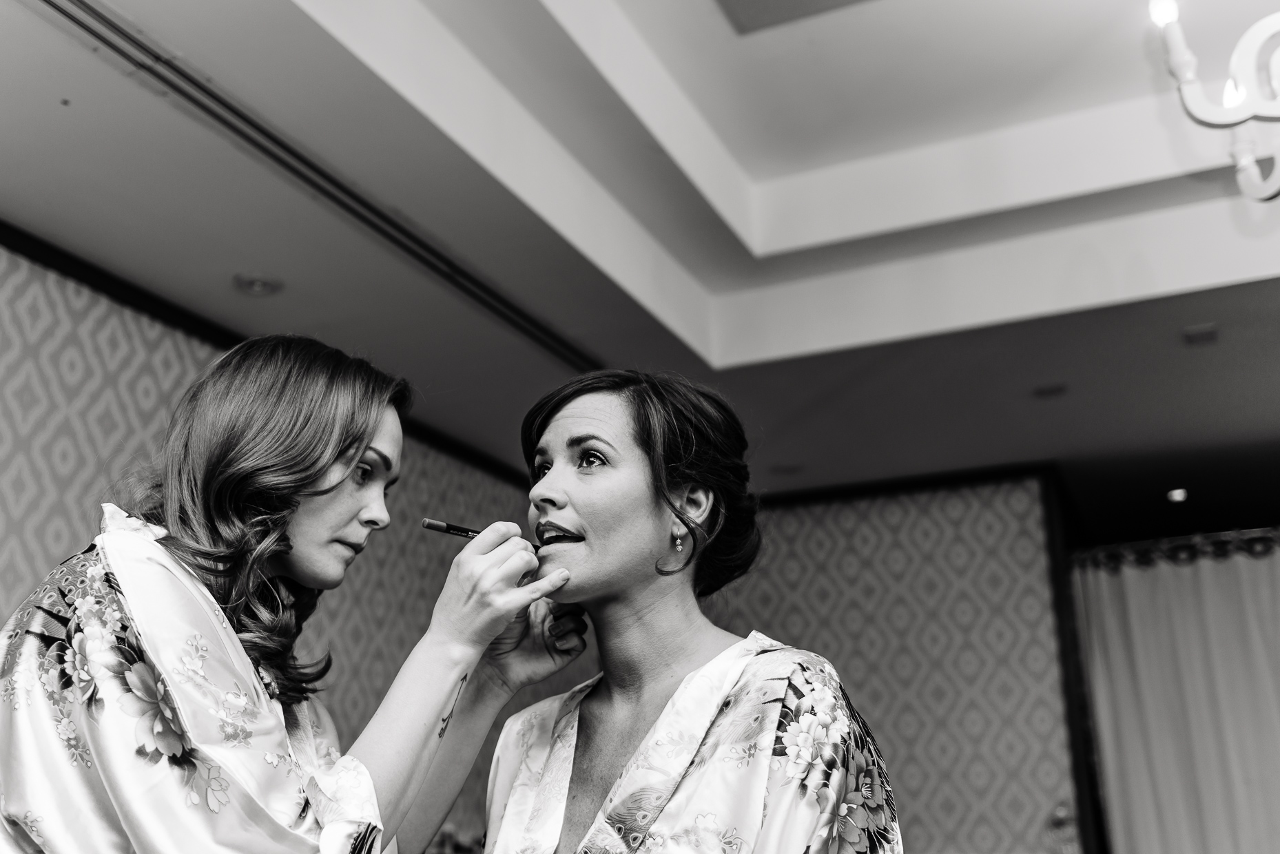 getting-ready-austin-wedding-photographer-texas-belmont-downtown