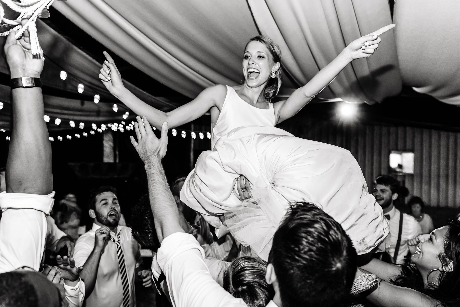 Austin-Wedding-Photographer-Bride-Reception-Texas-Lift