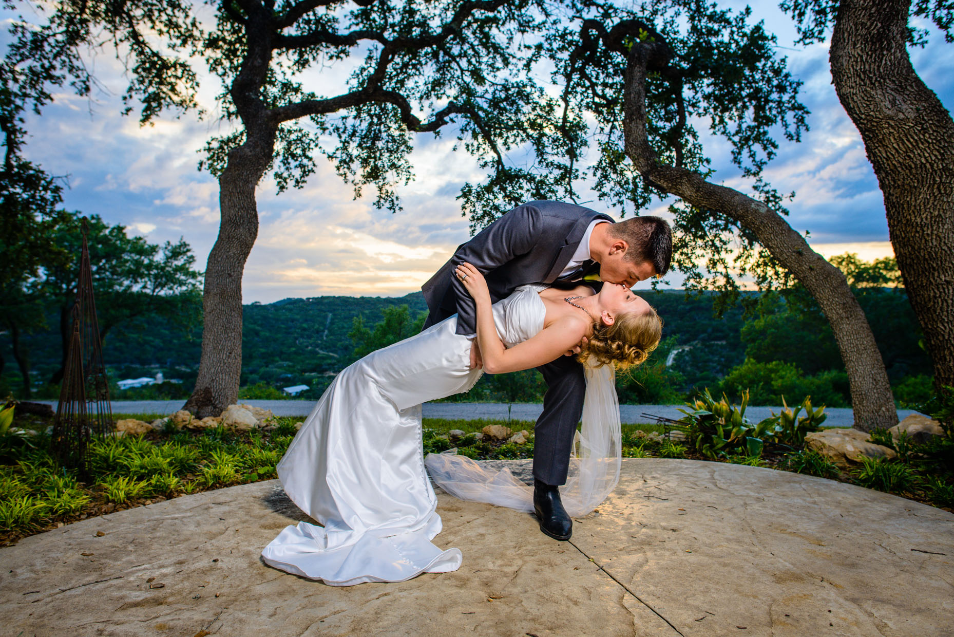 Austin-Wedding-Photographer-Lake-Hacienda-Del-Lago.jpg