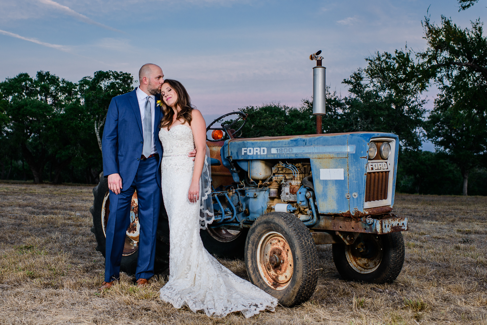 Austin-wedding-photographer-tractor-ranch-rustic