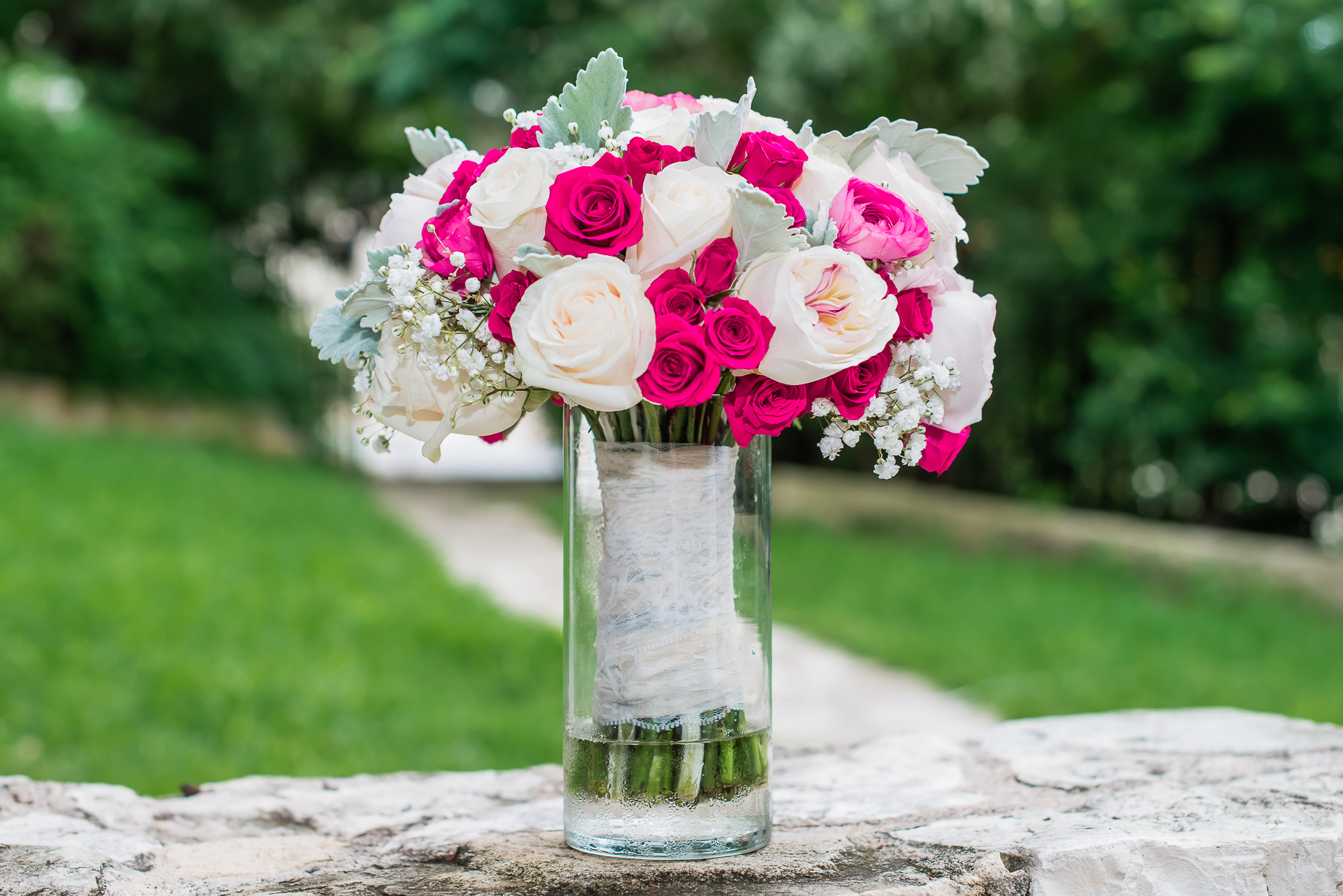 Austin-Wedding-Photographer-Songbird-Allan-House-bouquet-white-pink-roses