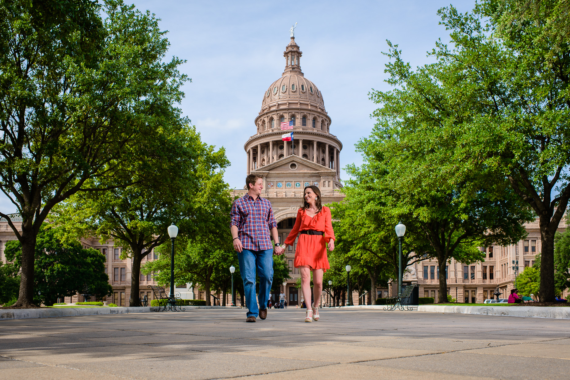 Austin-Wedding-Photographer-capitol-texas-engagement-couple