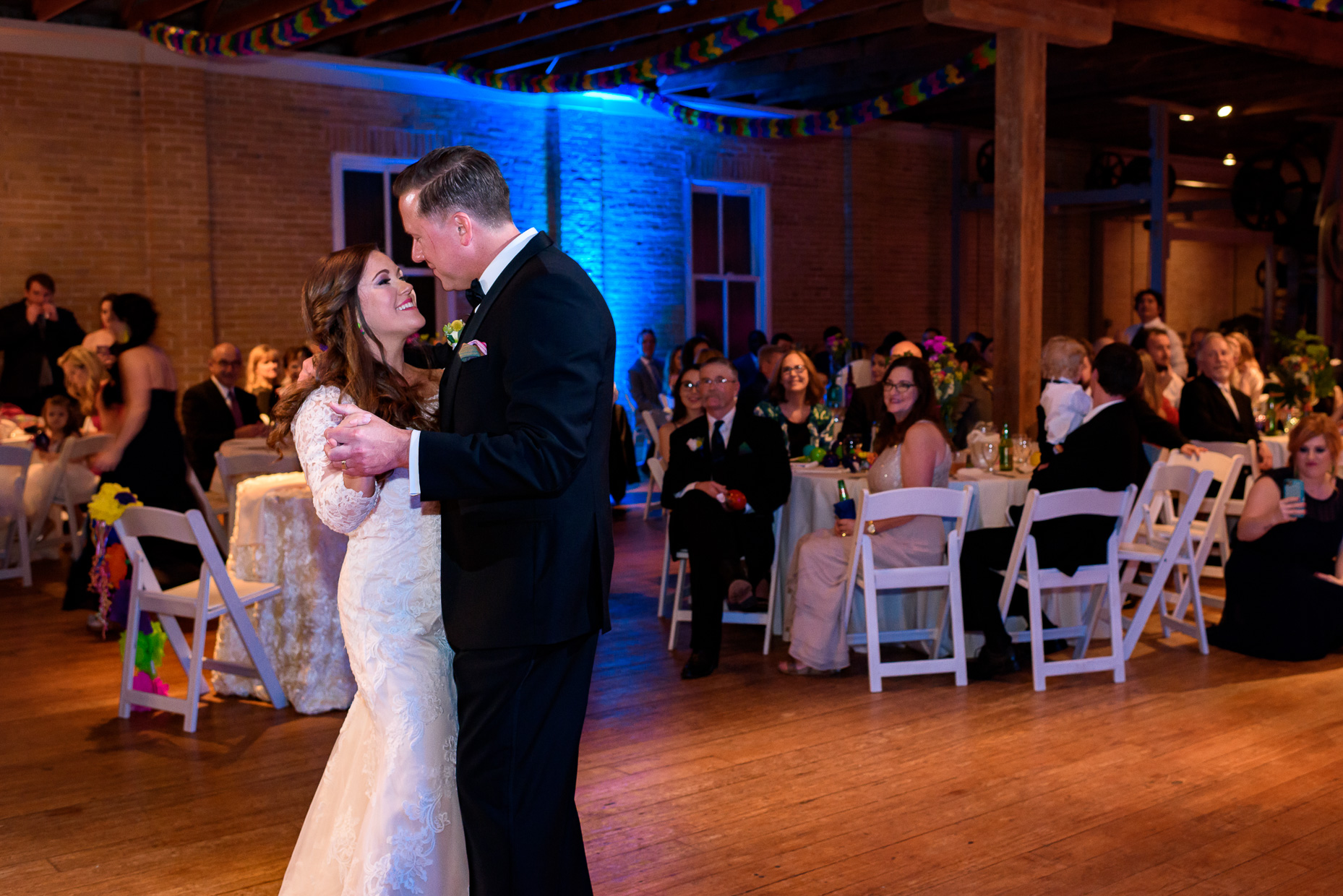 Austin-Wedding-Photographer-first-dance-zaza-gardens-san-antonio