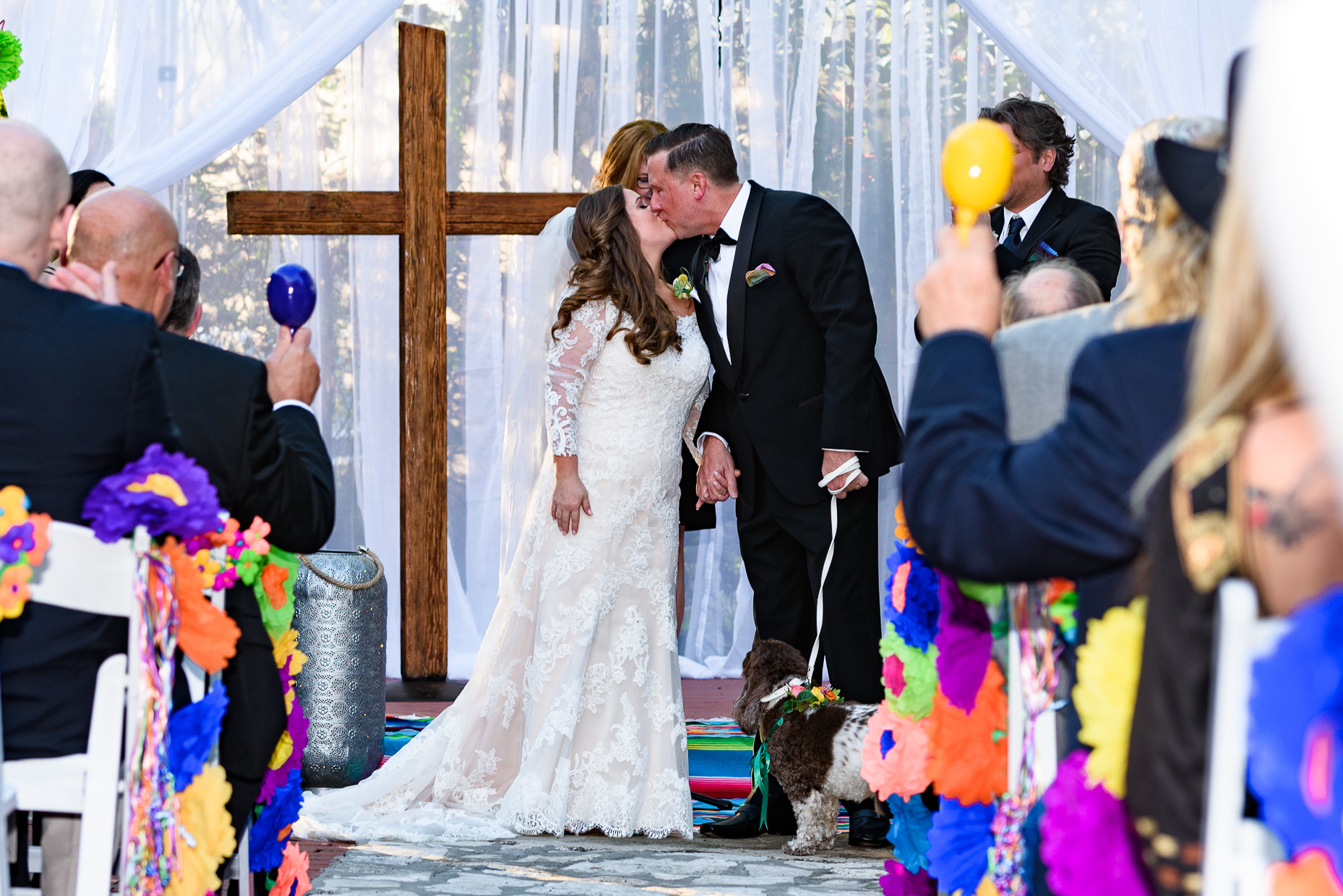 Austin-Wedding-Photographer-mexican-maracas-ceremony-san-antonio-zaza-gardens