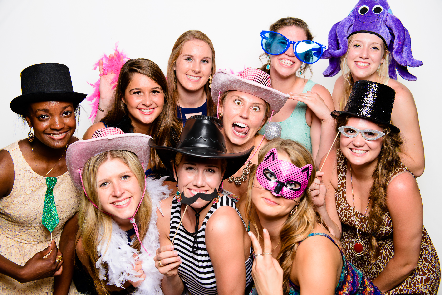 Austin-Wedding-Photographer-photobooth-baylor-volleyball