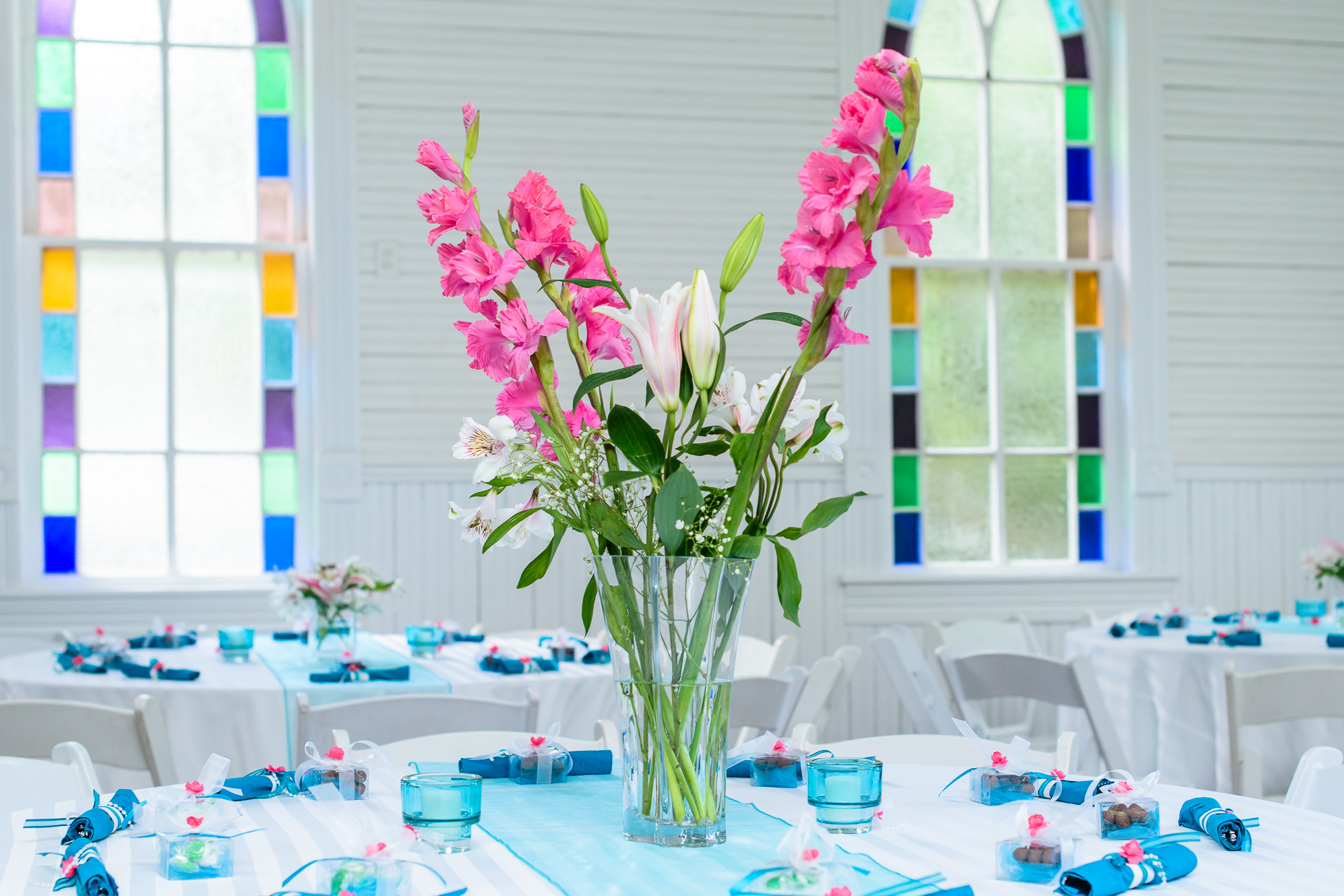 austin-wedding-photographers-tropical-flowers-mercury-hall