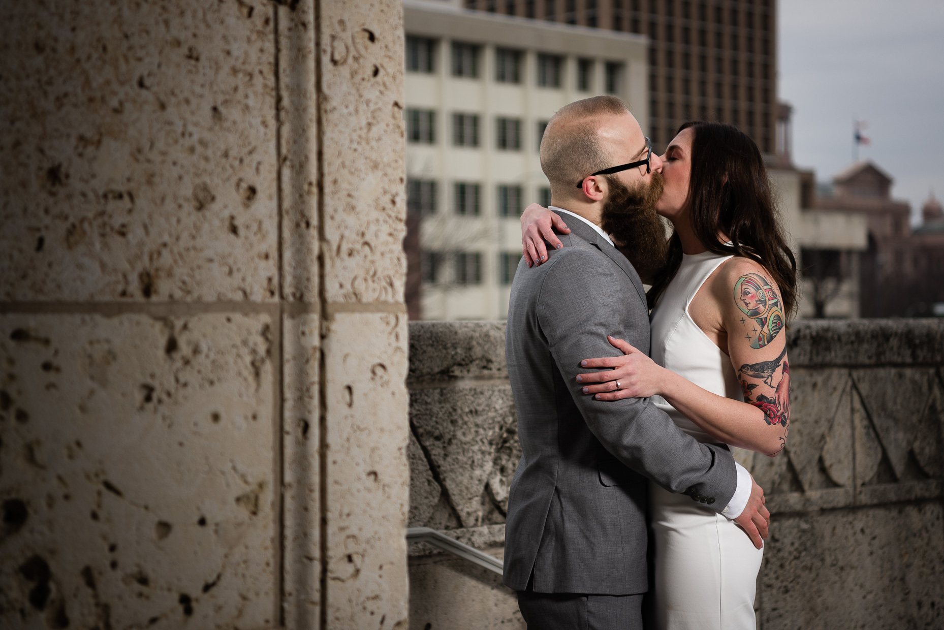 downtown-travis-county-courthouse-wedding-tattooed-bride-groom