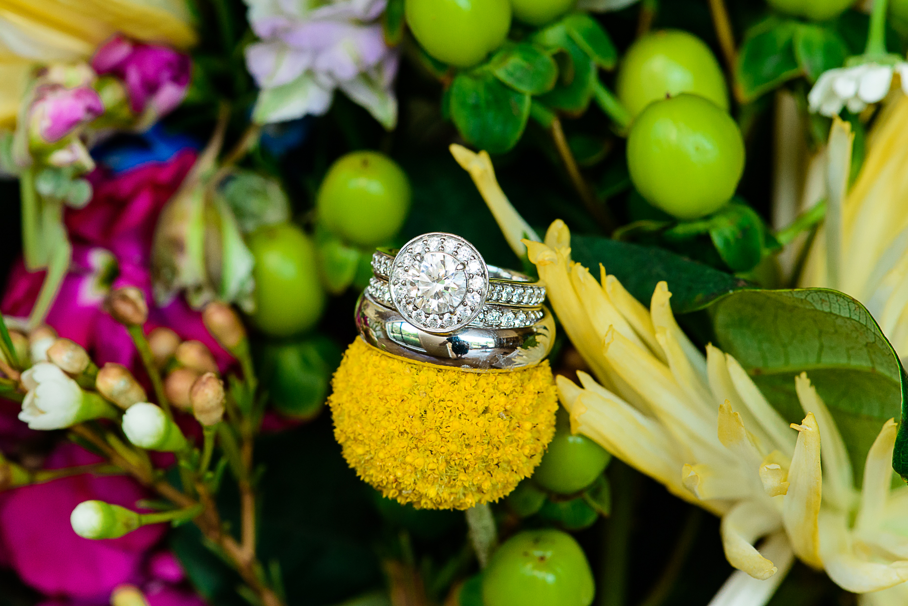 austin-wedding-photographers-detail-ring-diamond-bouquet-texas