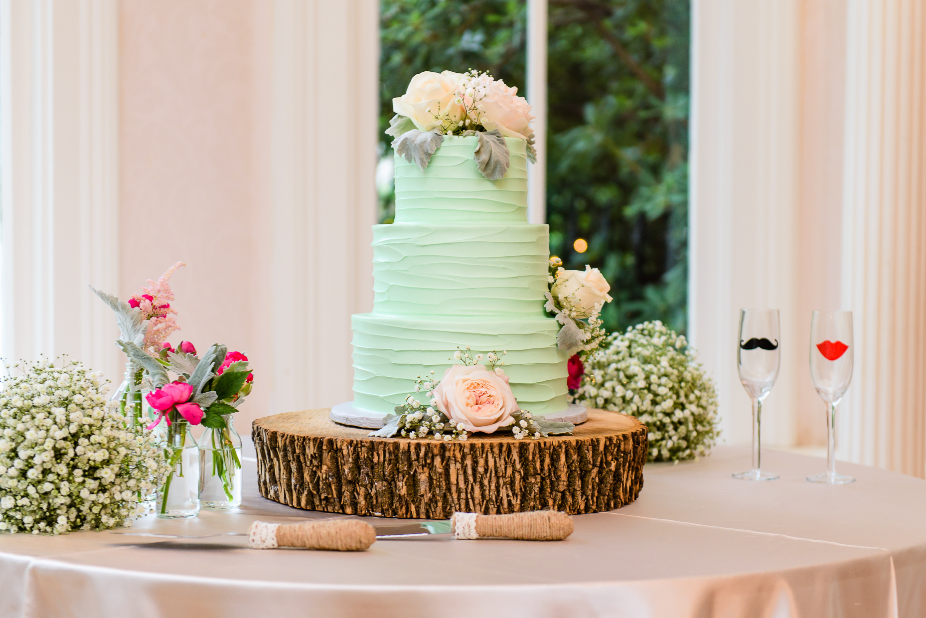 Austin-wedding-photographer-allan-house-cake-michelle-patisserie-mint-green