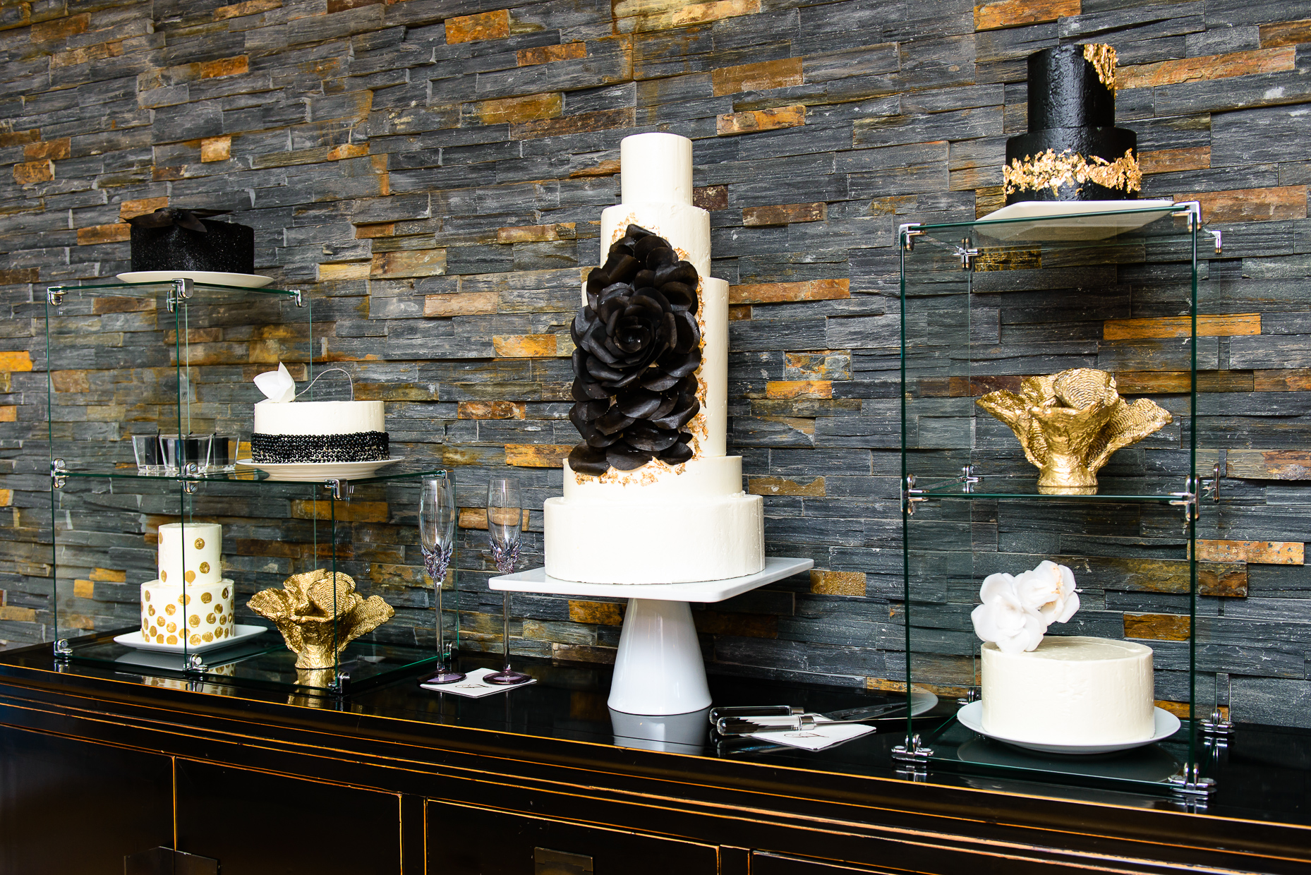 Austin-wedding-photographer-desserts-modern-cake-gold-black