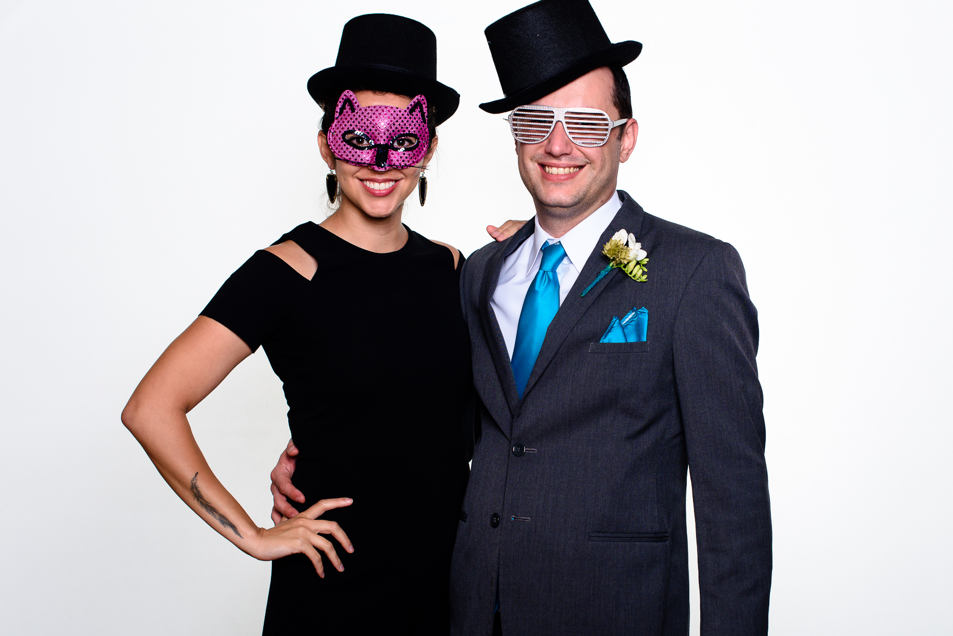 austin-teas-wedding-photographer-photo-booth-masks-hats