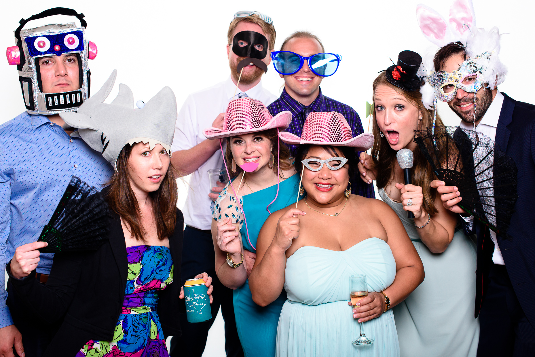 austin-teas-wedding-photographer-photo-booth-friends