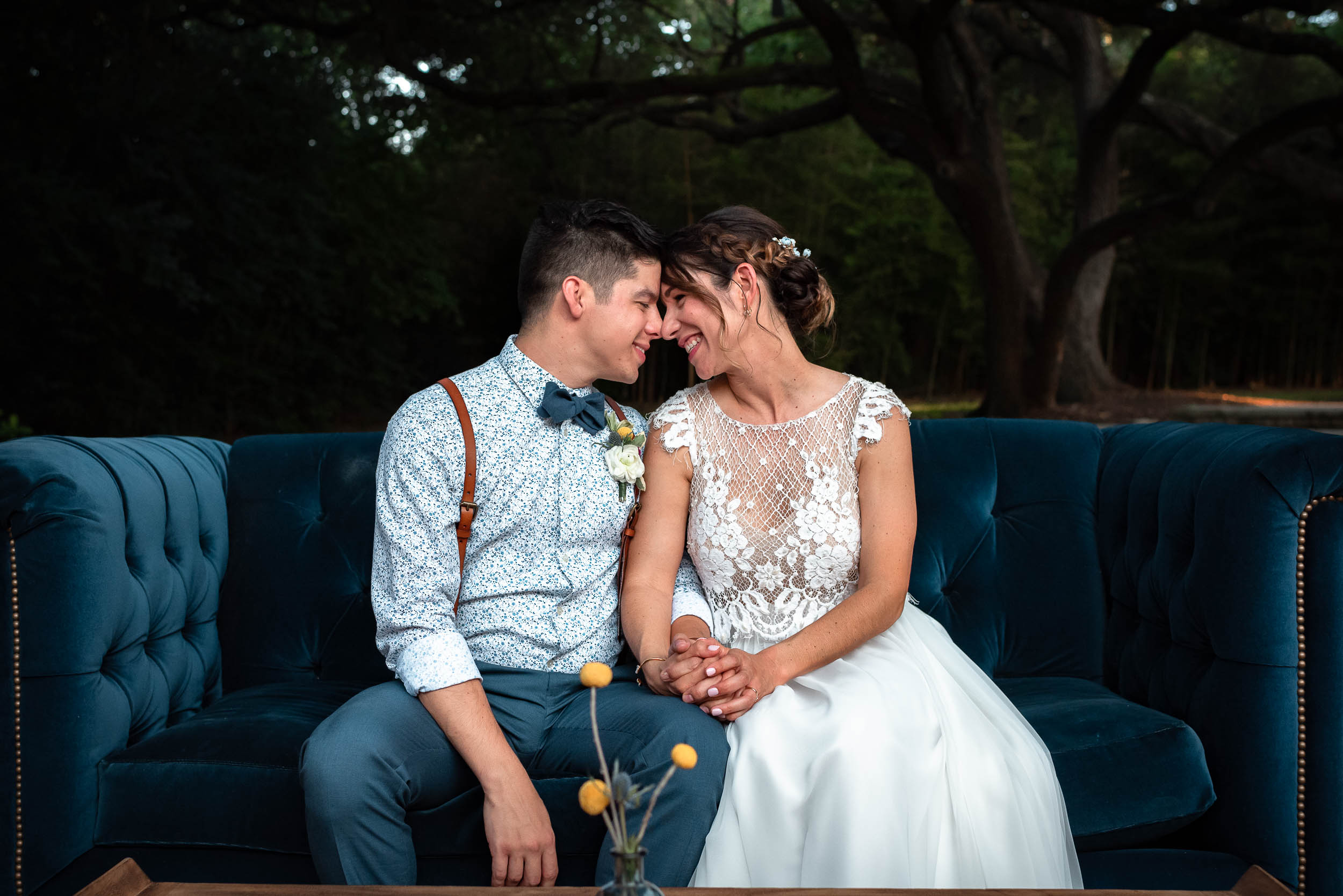 Texas-Mercury-Hall-Austin-Wedding-Photographers-bride-groom-portrait-blue-velvet-couch