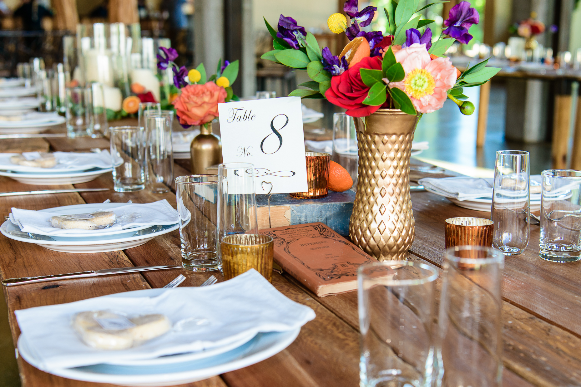 austin-Wedding-Photographers-table-setting-stems-floral-design